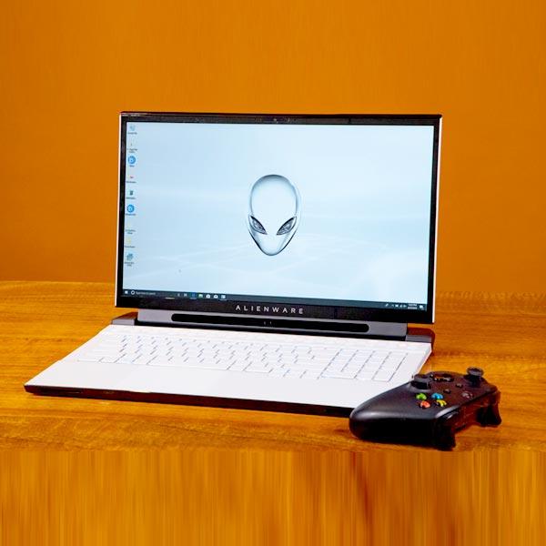 این ویر دل گیمینگ Alienware M17 R2